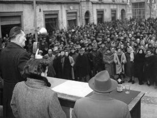 21. 26 gennaio 1954. Manifestazione a Medicina per la riforma del contratto Agrario.