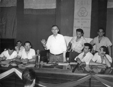 15. 1952. Congresso dei Panettieri nel salone della Camera del Lavoro.